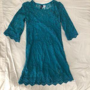 Divided teal lace dress